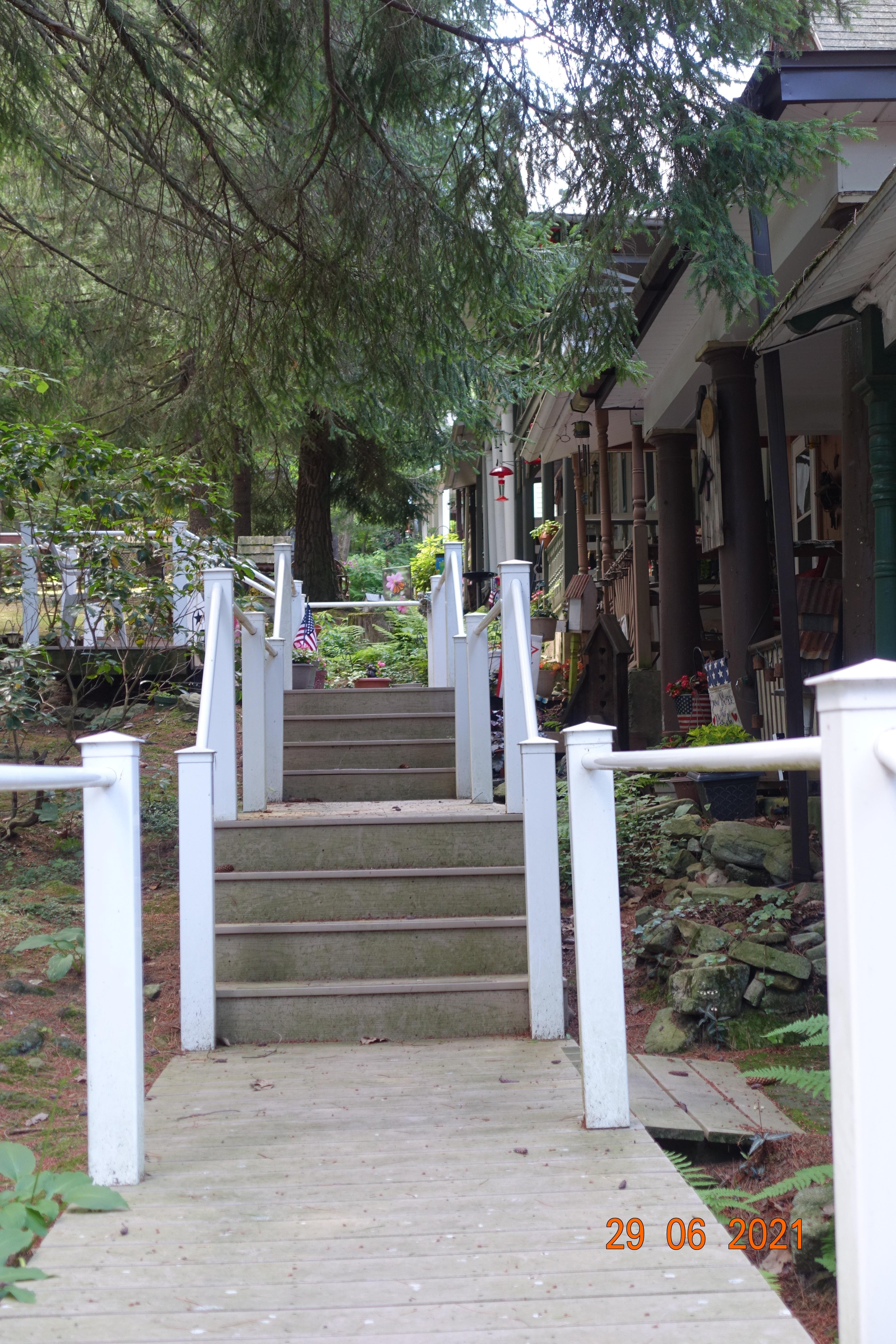 walkway-east