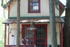 8-Gift-Cottage